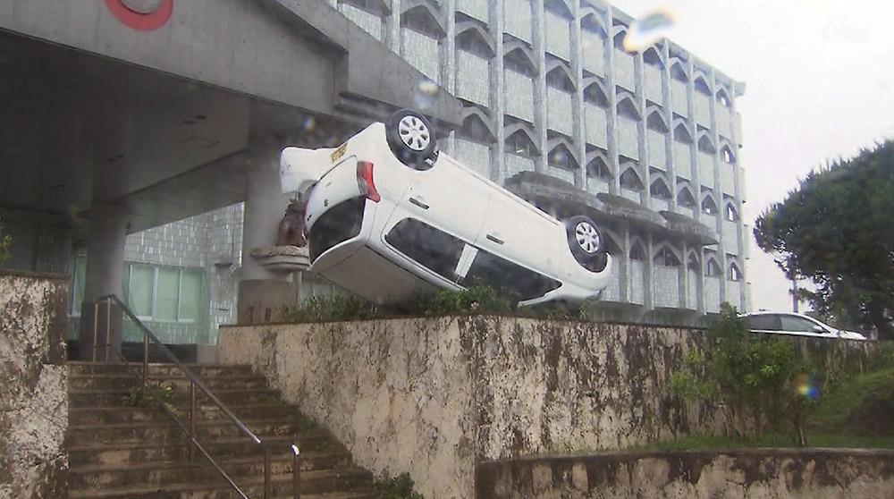 台風13号 石垣市被害・空港混雑