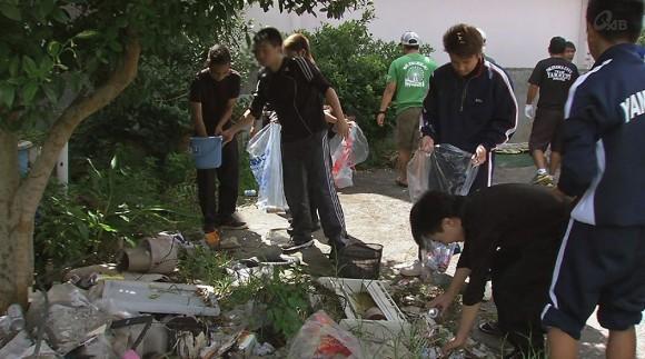地域の中学生達が清掃活動