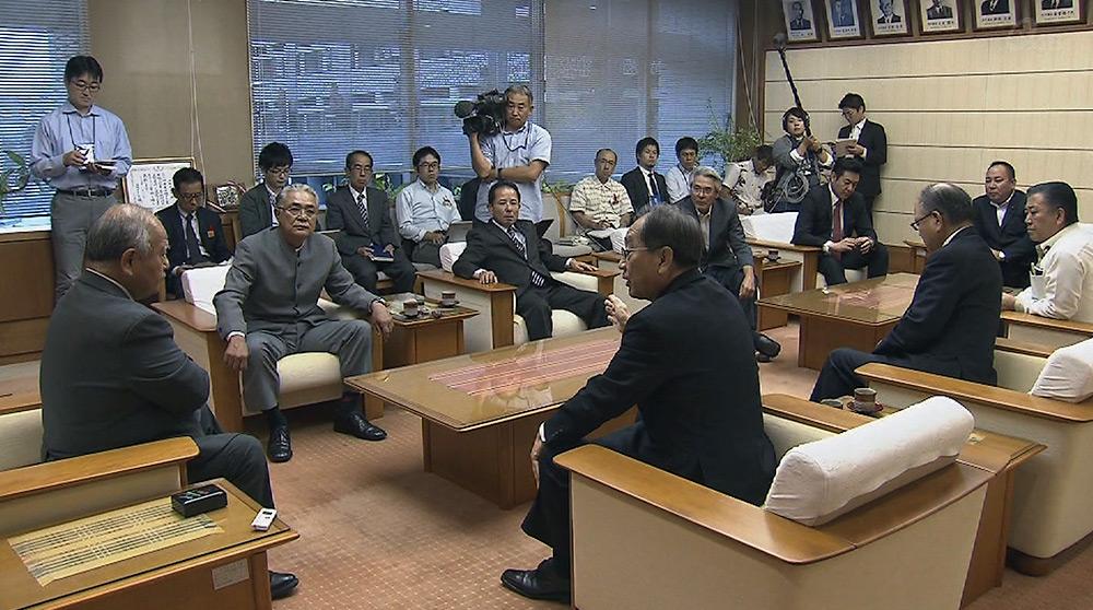 安慶田副知事が経過を説明