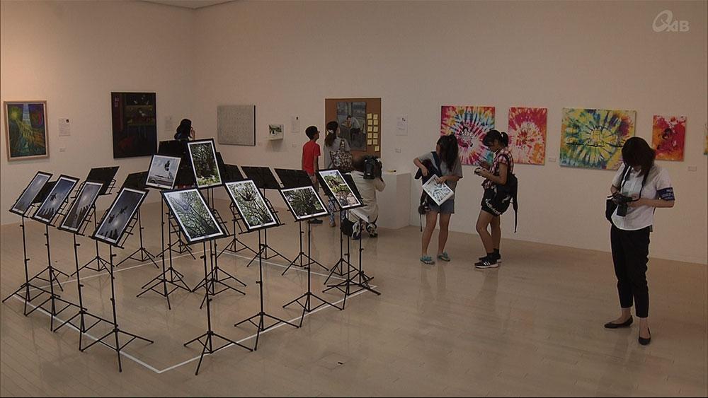 美術の先生の作品展 45人による68作品