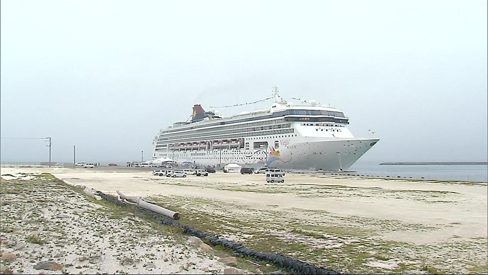 石垣港クルーズ船ターミナル供用開始