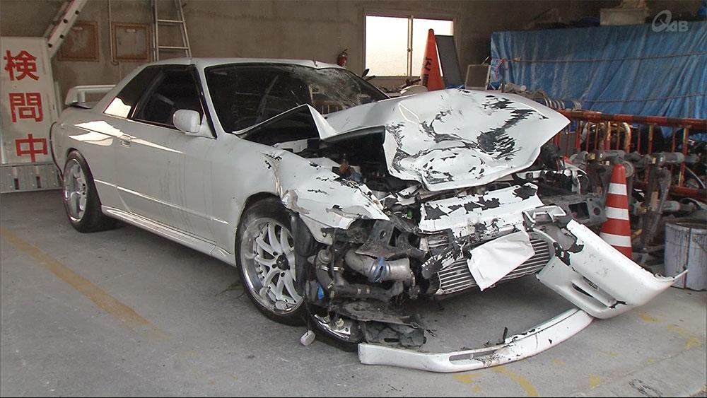 二輪と普通乗用車が衝突 二輪の男性が死亡