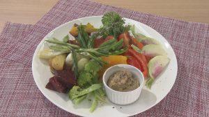 旬の温野菜とバーニャカウダソース
